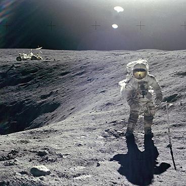 01_Astronautas_Charles_Duke_nuotr_NASA_John_W_Young_saltinis_americanphotoarchive_photoshelter_com