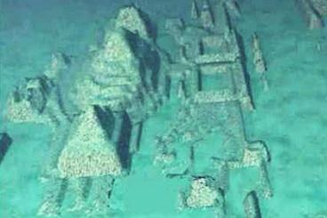 01_Bermudu_trikampio_povandenines_piramides