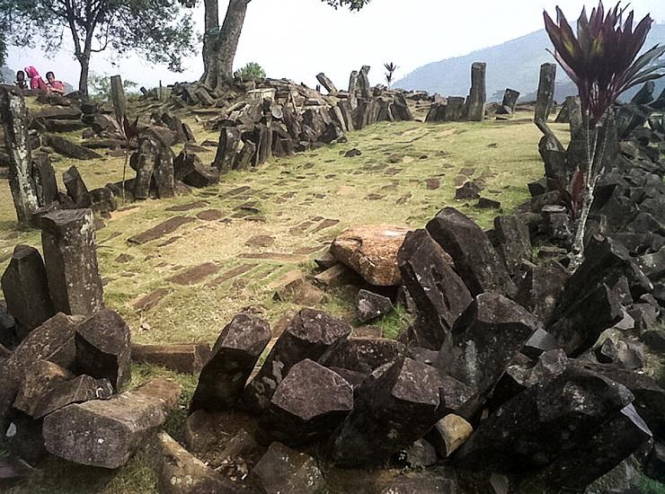02_Gunung_Padango_kompleksas_saltinis_Nuotr_Mohammad_Fadli_saltinis_en_wikipedia_org
