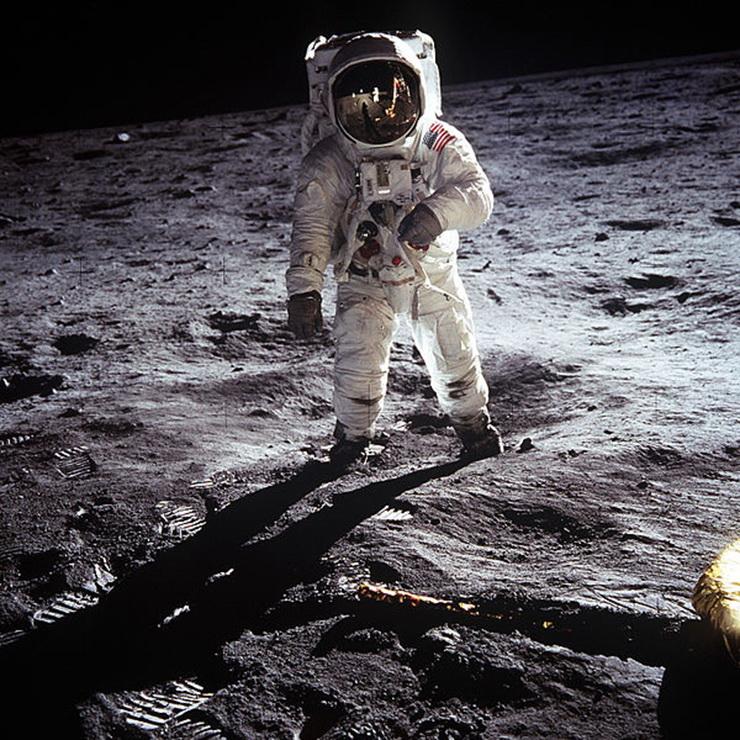 JAV_astronautas_Edvinas_Oldrinas_Menulio_pavirsiuje_1969_m_AFP_Photo_Nasa_Saltinis_rt_com