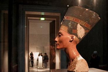 02_Nefertiti