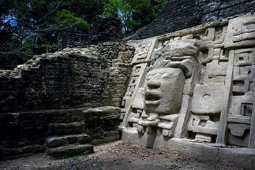 04_Lamanai_griuvesiai_Belize_foto_Peter_Rivera