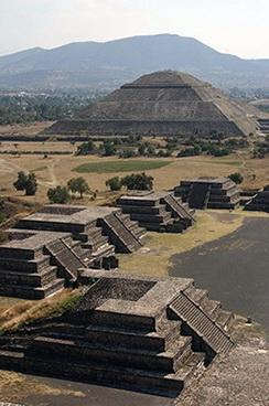 05_Teotihuakano_piramides_Saltinis_travel_allwomenstalk_com