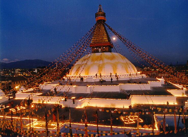 10_Budistu_stupa_Bodnatho_sventyklos_komplekse_Nepalas_Saltinis_liveinternet_ru