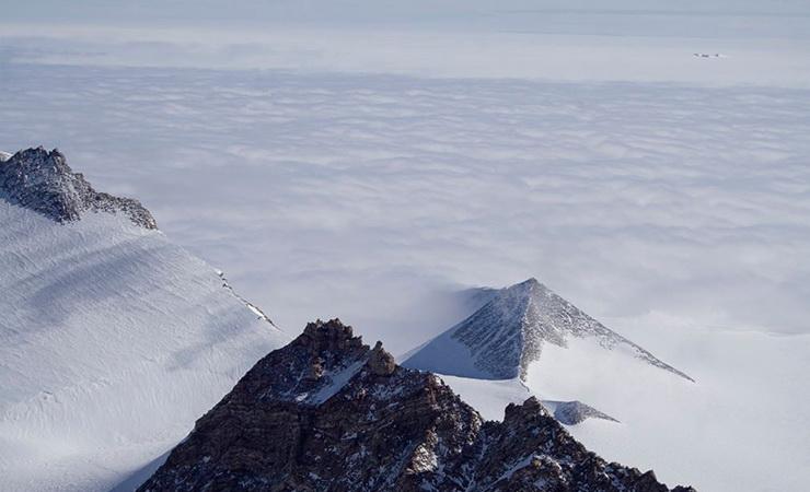 02_Piramides_formos_struktura_Antarktidoje_Saltinis_tomsky_de