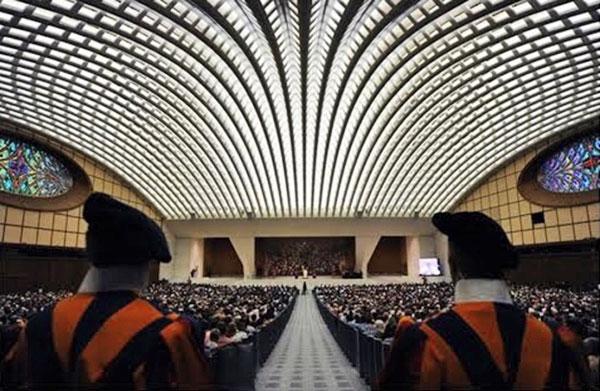 07_Popieziaus_audienciju_sale_©midgard_edem_org